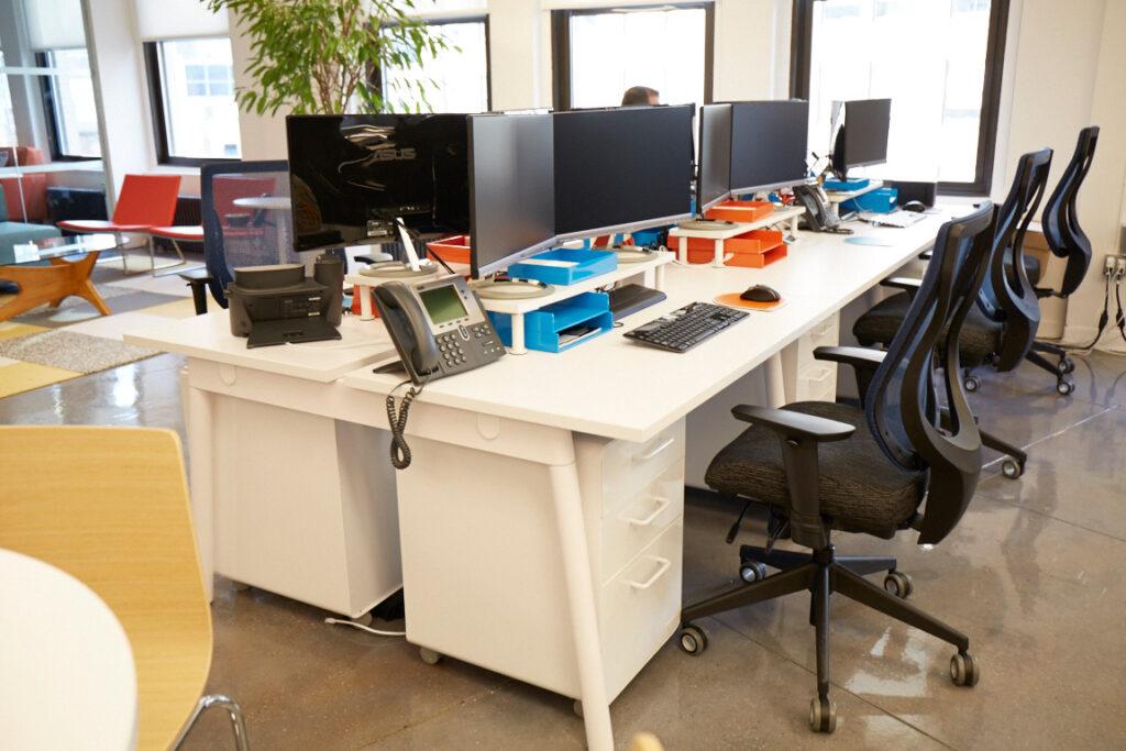 Büros an Farben ausrichten